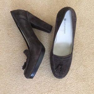 Naturalizer suede heels